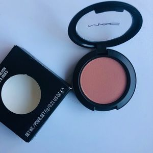 MAC Powder Blush in Prism. NEW WITH BOX.